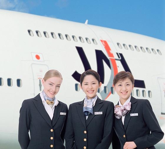 ly do de ban chon japan airlines lam ban dong hanh 2