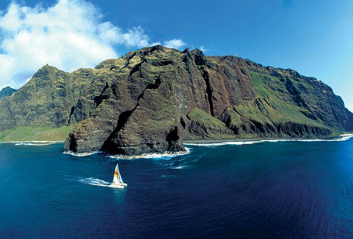 6 bai bien hut khach o Hawaii trong mua he 4