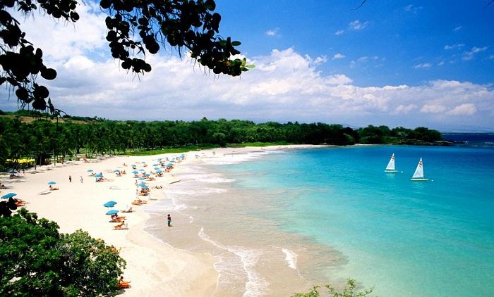6 bai bien hut khach o Hawaii trong mua he 6