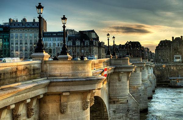 du lich Paris dao bo tren nhung cay cau noi tieng 1