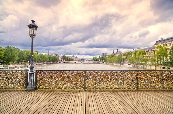 du lich Paris dao bo tren nhung cay cau noi tieng 3