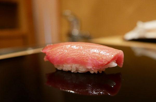 kham pha mon sushi tai 3 nha hang duoc danh gia cao o Tokyo 1