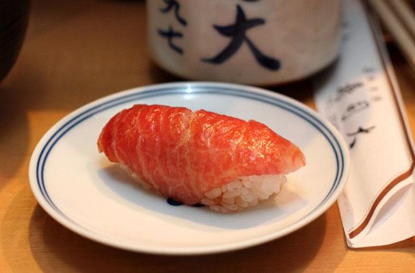 kham pha mon sushi tai 3 nha hang duoc danh gia cao o Tokyo 2