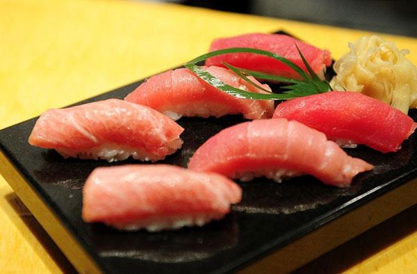 kham pha mon sushi tai 3 nha hang duoc danh gia cao o Tokyo 3