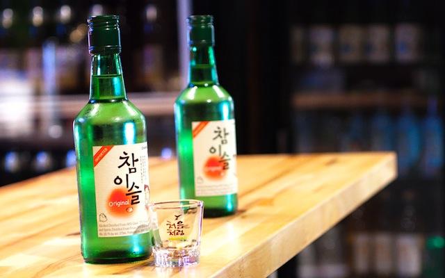 van hoa uong ruou soju han quoc du khach can biet 1